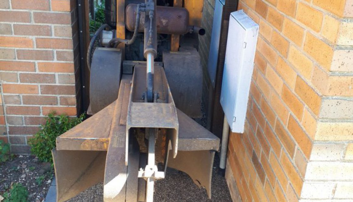 One of the advantages of having a narrow tree stump grinding machine is that we can come through most garden gates as th...